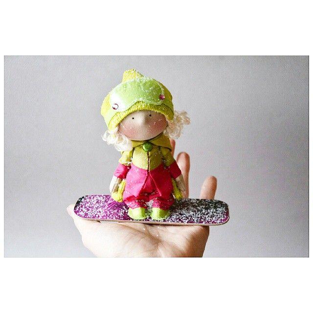 """182 Me gusta, 3 comentarios - Елена (@kooklook_gallery) en Instagram: """"Сноубордистка Работа представлена для примера  #кукла #авторскиекуклы  #текстильныекуклы…"""""""