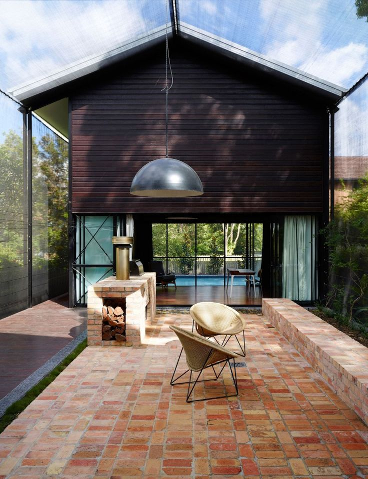 Oxlade Drive House / James Russell Architect