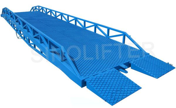 Truck loading ramp, 6t capacity, for better movement of forklift, improve the work efficient of loading and unloading. (http://sinolifter.com/mobile-dock-ramp/mobile-truck-loading-ramps-6t.html)