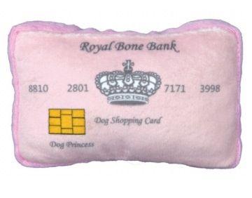 Peluche para perro con forma de tarjeta de crédito. Disponible en www.dogsaffaire.com  La mejor selección de moda y complementos para perro.