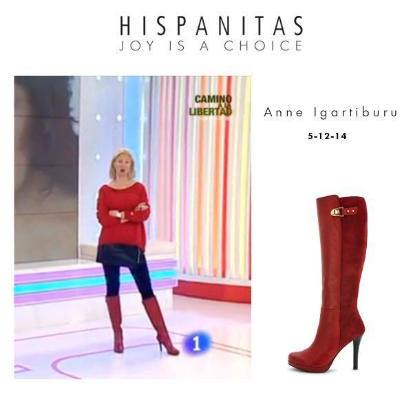 Anne Igartiburu, con la bota alta estrella de la temporada, presentando su programa Corazón en TVE.  5/12/2014