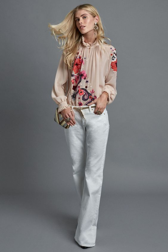 9e43d72cf26 Модные блузки 2017 года тенденции на фото. Красивые женские шифоновые блузки  2017 года на фото