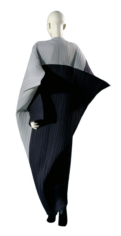 Issey Miyake #Fashion #dystopia #Futura #future #ultramodern
