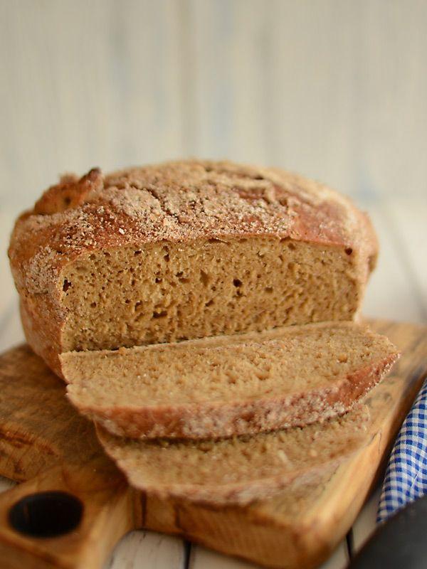 Chleb pszenny na ciemnym piwie pieczony w garnku