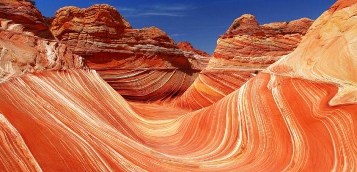 The Wave o La Ola de Piedra es una formación arenisca situada en una reserva protegida al norte del estado de Arizona (Estados Unidos).