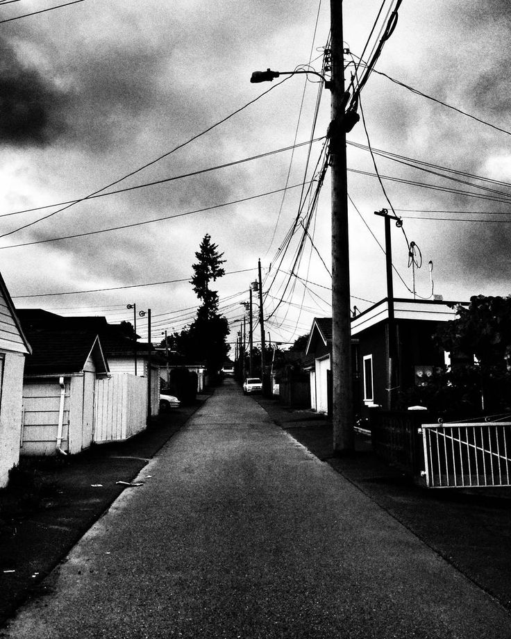 Early one morning... #raincouver #vancouverlife #yvr  #blackwhitephotography #bnw #monochrome #hicontrast #bnw_captures #bnw_city #noir_vision #simply_noir_blanc