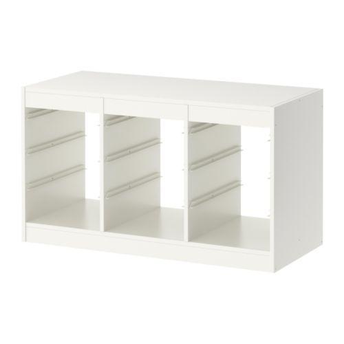IKEA - TROFAST, Stamme, , En leken og solid oppbevaringsserie for organisering av leker. Den kan også sittes, lekes og slappes av på.Du kan skape din egen oppbevaringsløsning for å passe til plassen du har tilgjengelig og ditt barns behov ved å kombinere ulike stammer, bokser og hyller.Stammen leveres med skinner, slik at du kan plassere bokser og hyller hvor du vil – og flytte dem når det trengs.Barnevennlig høyde på oppbevaringen gjør det enklere for barn å nå og holde orden på tingene.