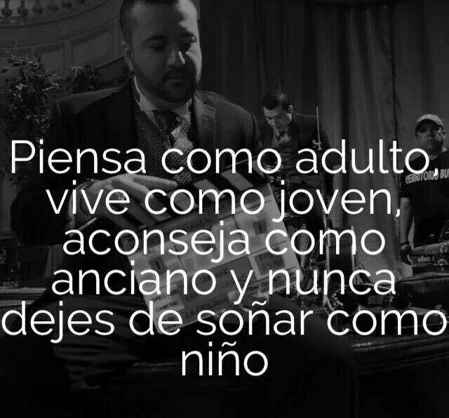 .Piensa como adulto, vive como joven, aconseja como anciano y nunca dejes de soñar como niño.