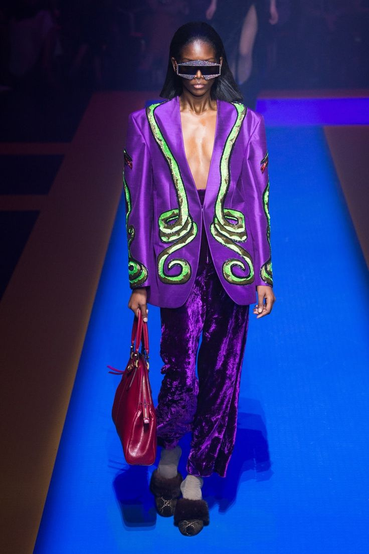 Gucci | Ready-to-Wear - Spring 2018 | Look 32