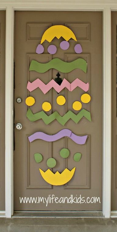 Deck out your entryway with this fun DIY egg craft. See how to make it right here.