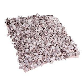Kussen Amazone. Lila suède sierkussen met vierkante sliertjes. 45 x 45 cm. €22.95