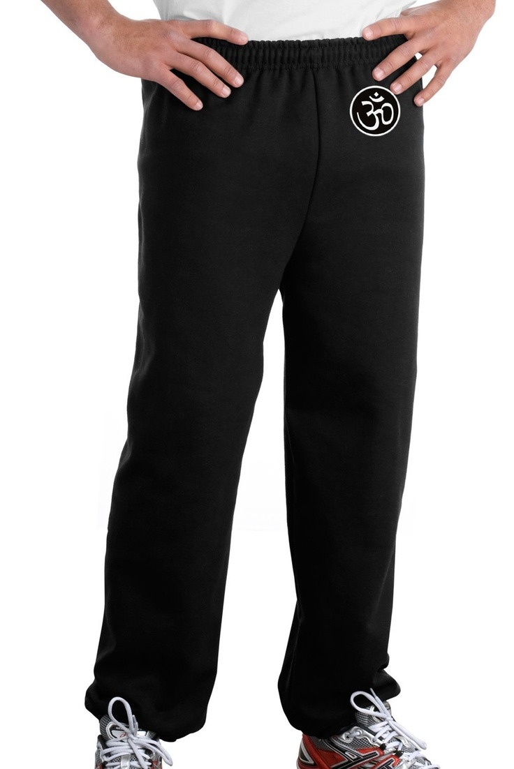 Men's yoga pants from Old Navy are ideal for any class, studio, gym or home yoga session. Like any activewear, yoga pants for men need to be flexible, durable, breathable and lightweight. Work up a sweat and get your heart pumping, or take it easy and focus on the meditative qualities of yoga.