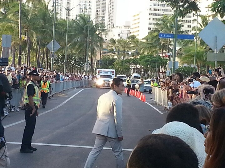 Crowds line the street for Daniel dae Kim at the Hawaii Five o h50 premiere in Waikiki. 9-23-12