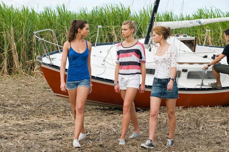 Jess Green, Lucy Fry, Phillipa coulthard you better watch this awesome brittish showits amazing lightning point rules