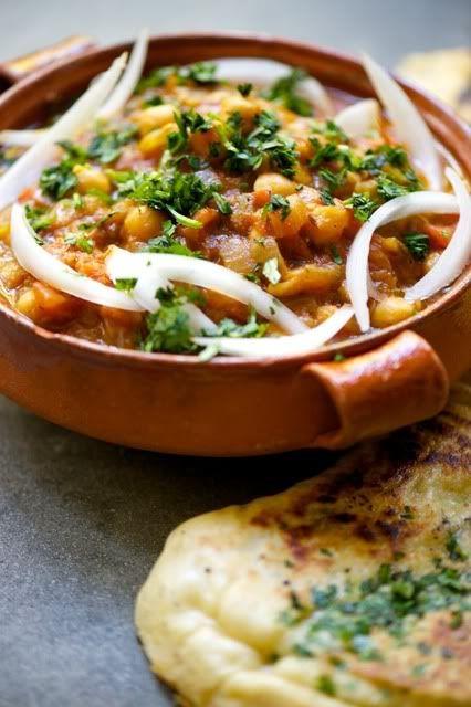 chana masala and garlic naan ~ the naan recipe looks like a good one!