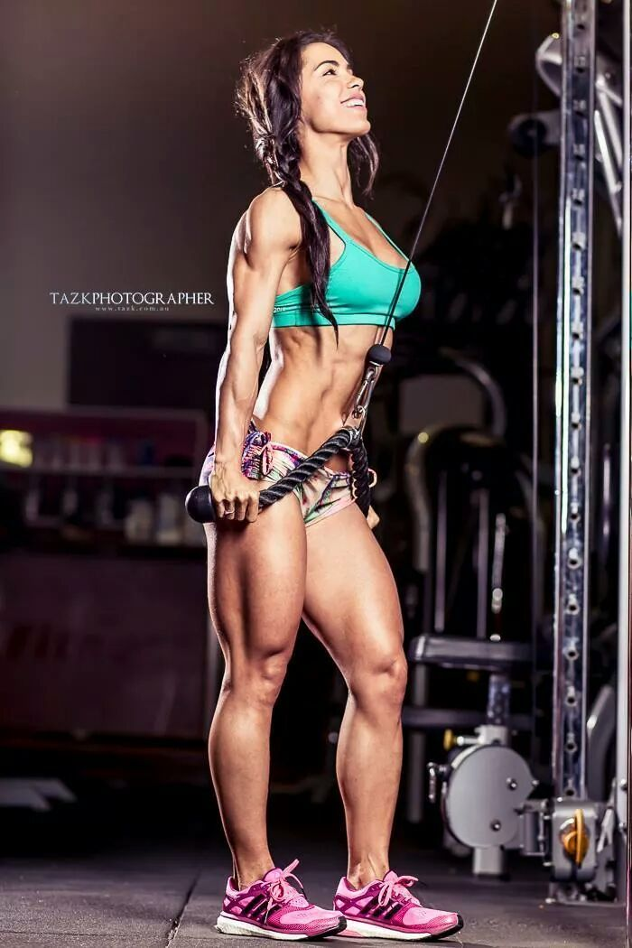 Female Form #StrongIsBeautiful #Motivation #WomenLift2 Andreia Brazier: