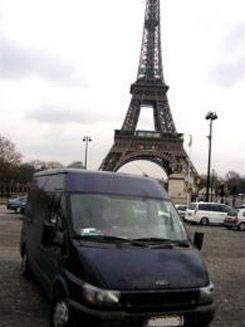 Béreljen kisbuszt városnézésre!  http://www.lacibusz.hu/