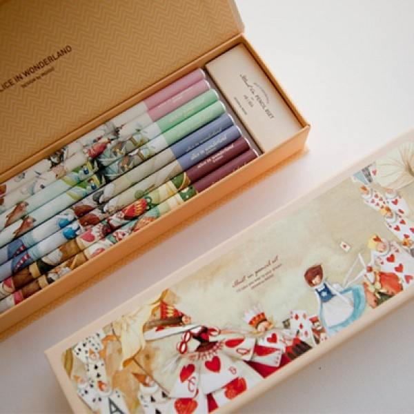 Cute Korean Stationery. Indigo illust in pencil 8 set & paper case - Alice in wonderland. Comes with Hard Paper pencil case & 8 illustration pencils. Can be used to store pencils, pens, sharp pencils, ball point pen & make up products.