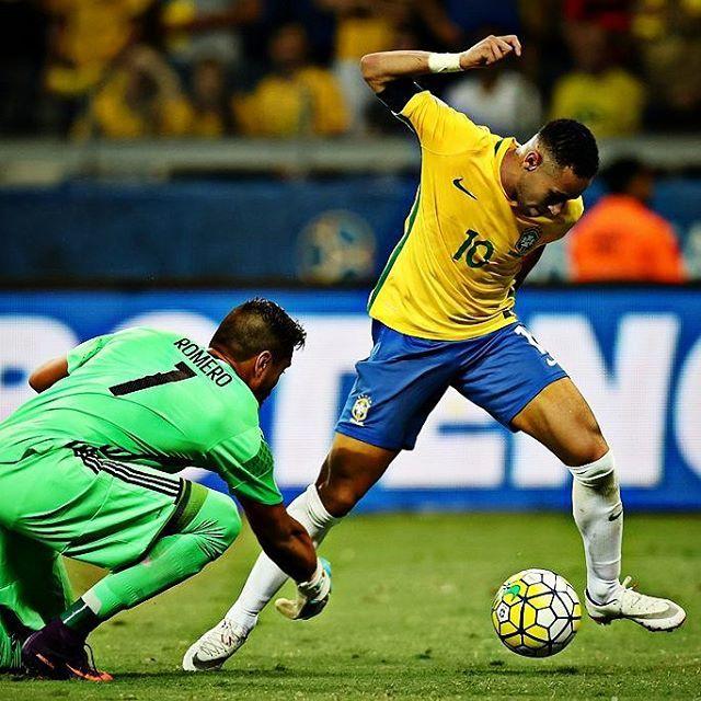 Brasil 3x0 Argentina Eliminatórias Copa do Mundo Rússia 2018 10/11/2016 Mineirão - Belo Horizonte - Brasil  #neymar #neymarjr #njr #neymarjrsiteoficial #brasil #OAmorTáAí  Foto : @mowapress