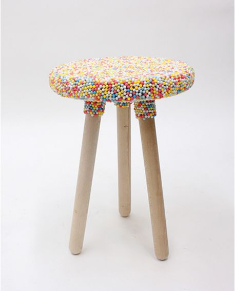 What a cuuuute candy stool!