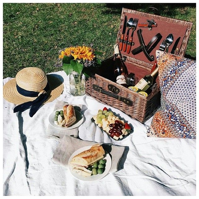 Had a mild case of Mondayitis today... Wishing I was picnicking in Paris today with @margoandme today