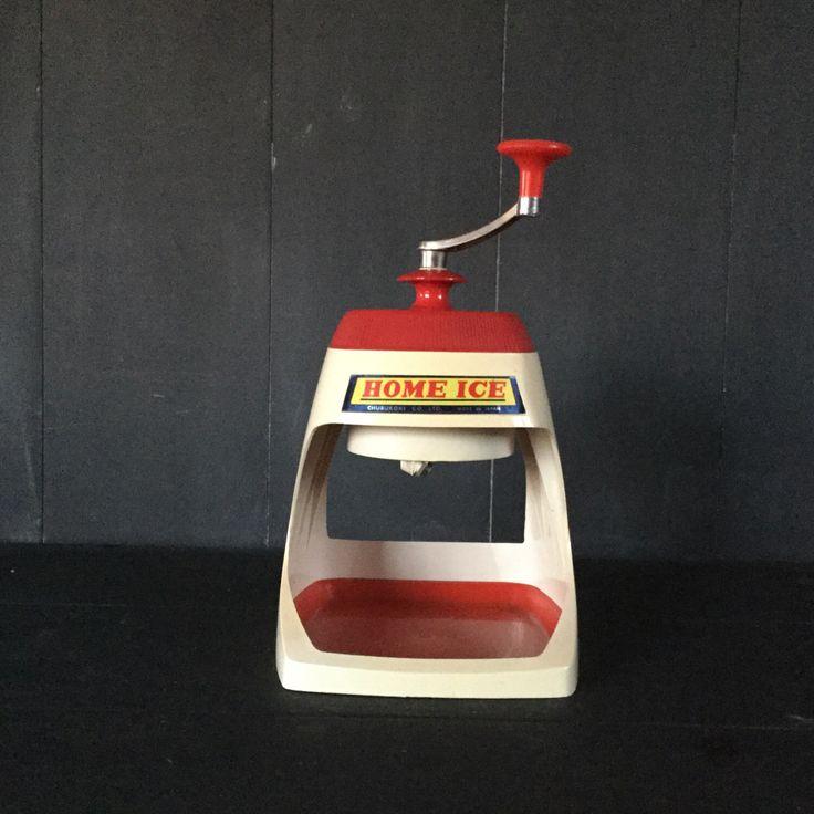 Een persoonlijke favoriet uit mijn Etsy shop https://www.etsy.com/nl/listing/493121664/vintage-ijs-crusher-ca-jaren-1970