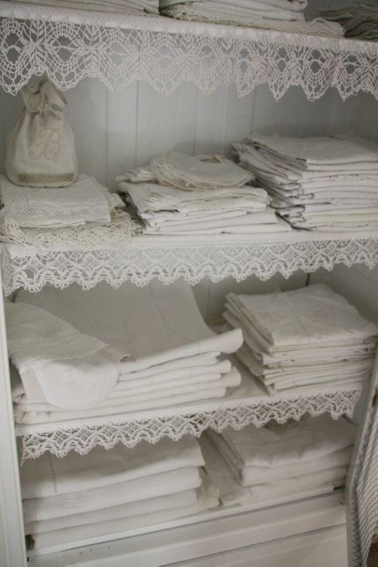 25 best ideas about linen cupboard on pinterest for Linge de maison shabby chic