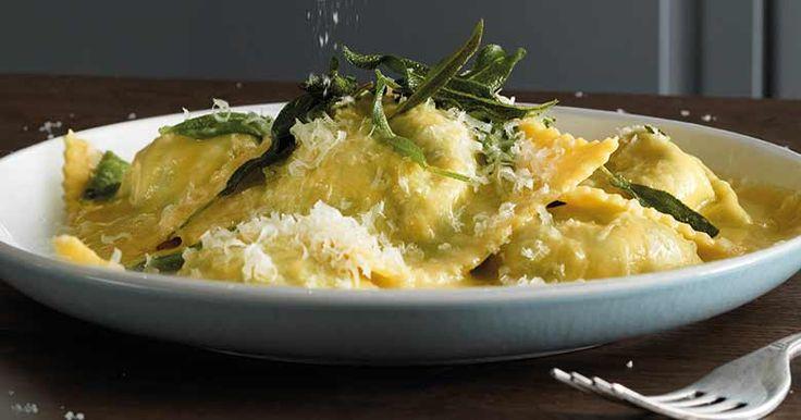 Spinat-Ricotta-Ravioli mit Salbeibutter
