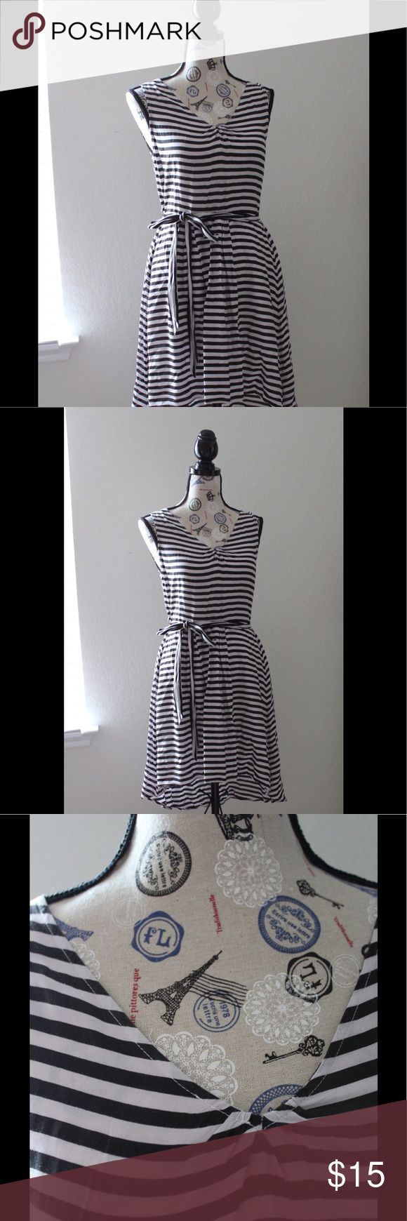 Black and white dress, vintage style, ModCloth Beautiful dress with white and black lines design, is a little longer back, its short in the front a very light fabric nicopoly Dresses Midi