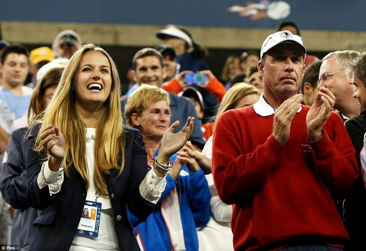 Team Murray: Girlfriend Kim Sears, mother Judy and coach Ivan Lendl - who later even broke into a smile - applaud Andy's victory: Ivan Lendl, Applaud Andy'S, Girlfriends Kim, Coaches Ivan, Mothers Judy, Team Murray, Andy'S Victory, Sports Favorite, Kim Seared