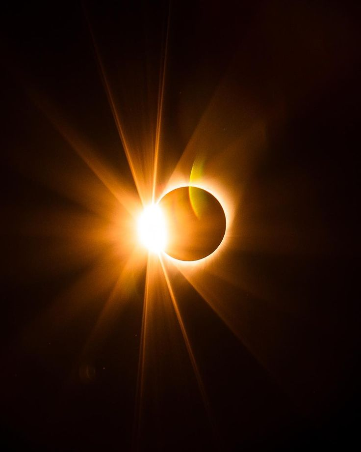15 Seriously Mind-Blowing Photos From Oregon's Solar Eclipse | That Oregon Life