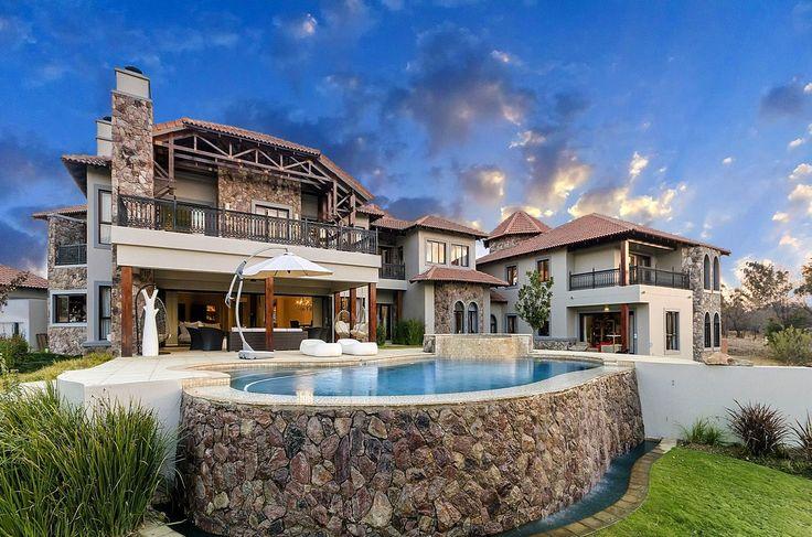 8 bedroom House for sale in Lanseria