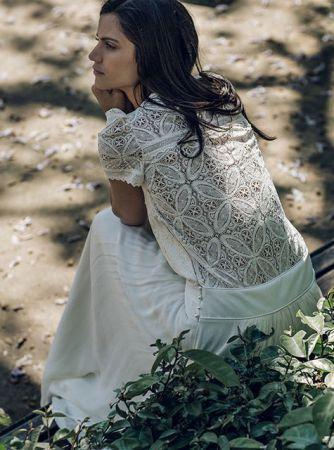 Wedding Dress 2016 // Laure de Sagazan Collection 2016 // Wedding Dress Details // #weddingdress #bride