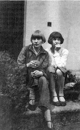i love this pic of dora carrington and iris tree