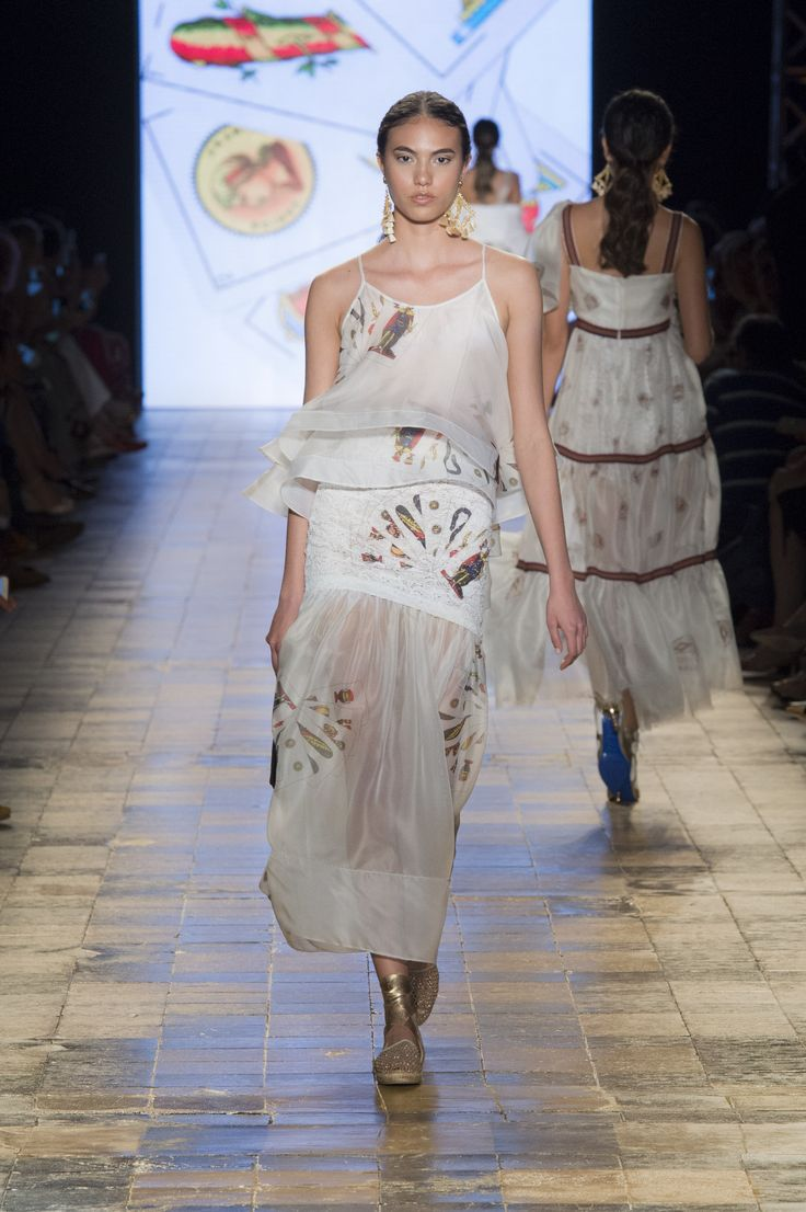 Silvia Tcherassi SS2017 Ethereal look