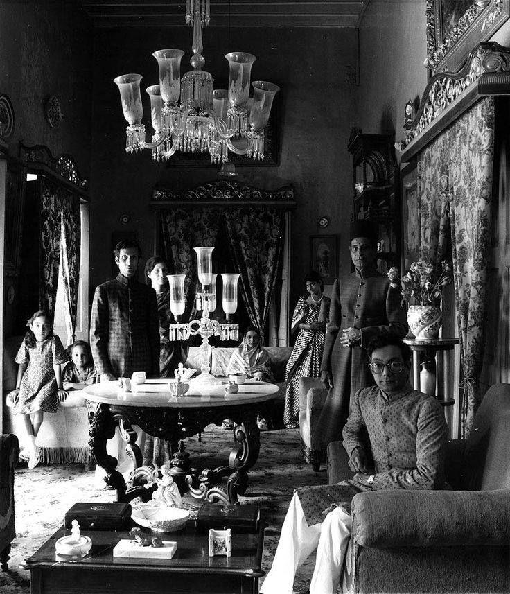 Nawab Zainul Abadin and His Family, Hyderabad, 1978.