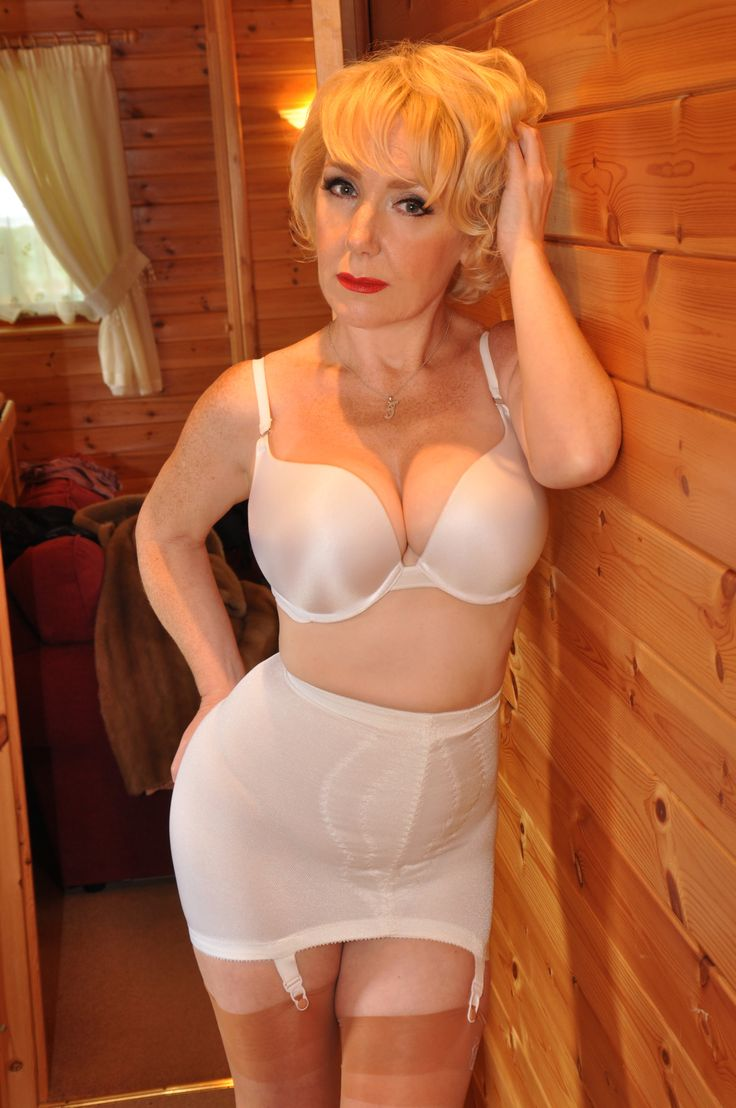Ju Elle Is Wearing A Nice Girdle  I Love Girdles -6852