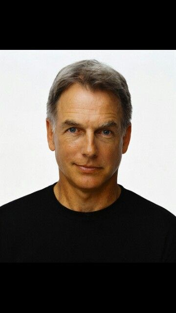 Meet Mark Harmon and eat some Hot dog or burger on the street or in the park in Washington and talk about NAVY everything.
