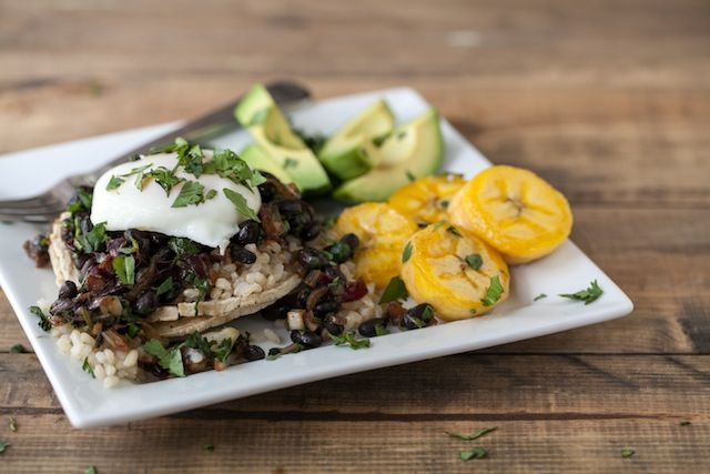 ... image 1 Guest Post: Gallo Pinto Tostadas by Erin from Naturally Ella