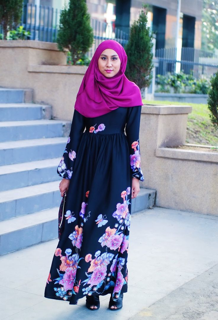 Floral maxi dress with peeptoed booties