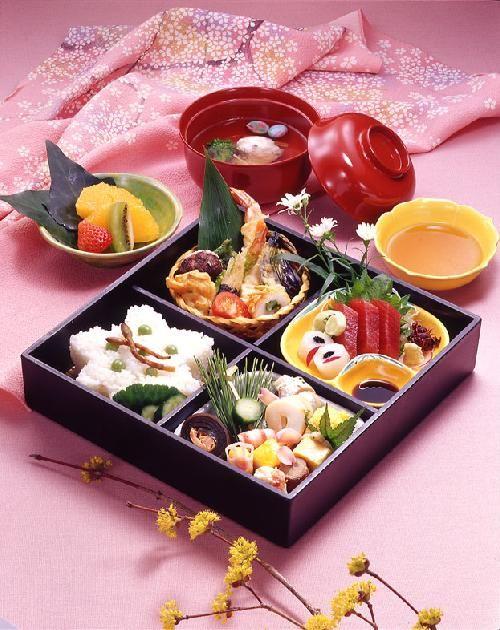 No.103 松花堂弁当[しょうかどうべんとう]  魚初 大阪の仕出し配達弁当。法事、法要、冠婚葬祭。泉佐野市。