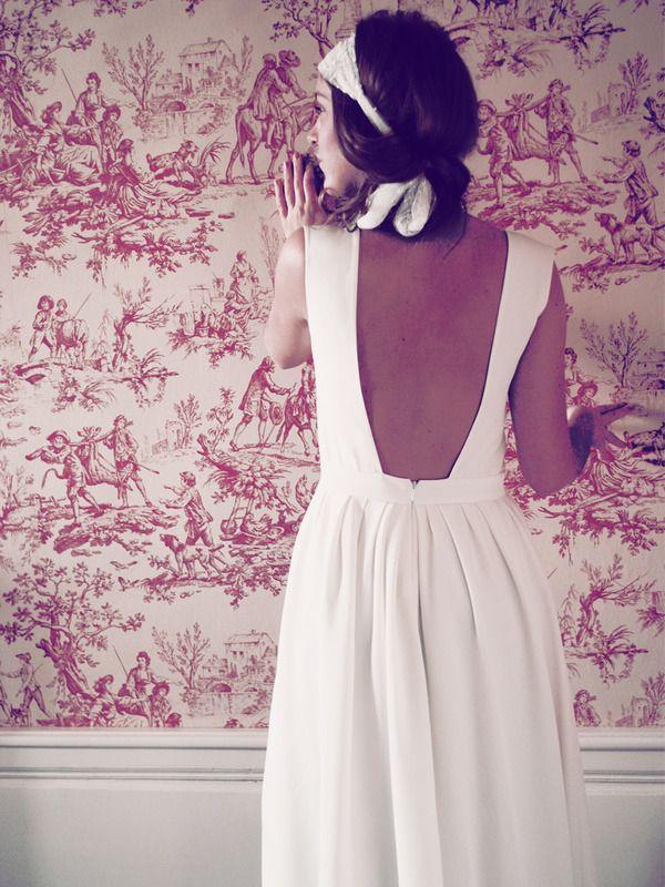 lt;p gt;La tendance est agrave; la robe eacute;pur eacute;e la saison prochaine, comme ici. Sans fioriture, sans camouflage, juste une once de sophistication. Ce mod egrave;le en cr ecirc;pe de chine et en dentelle chantilly respire lafra icirc;cheurd #39;un mariage simple. lt;/p gt; lt;p gt;Robe Constance Fournier, 2200 euro; lt;/p gt; (Constance Fournier)