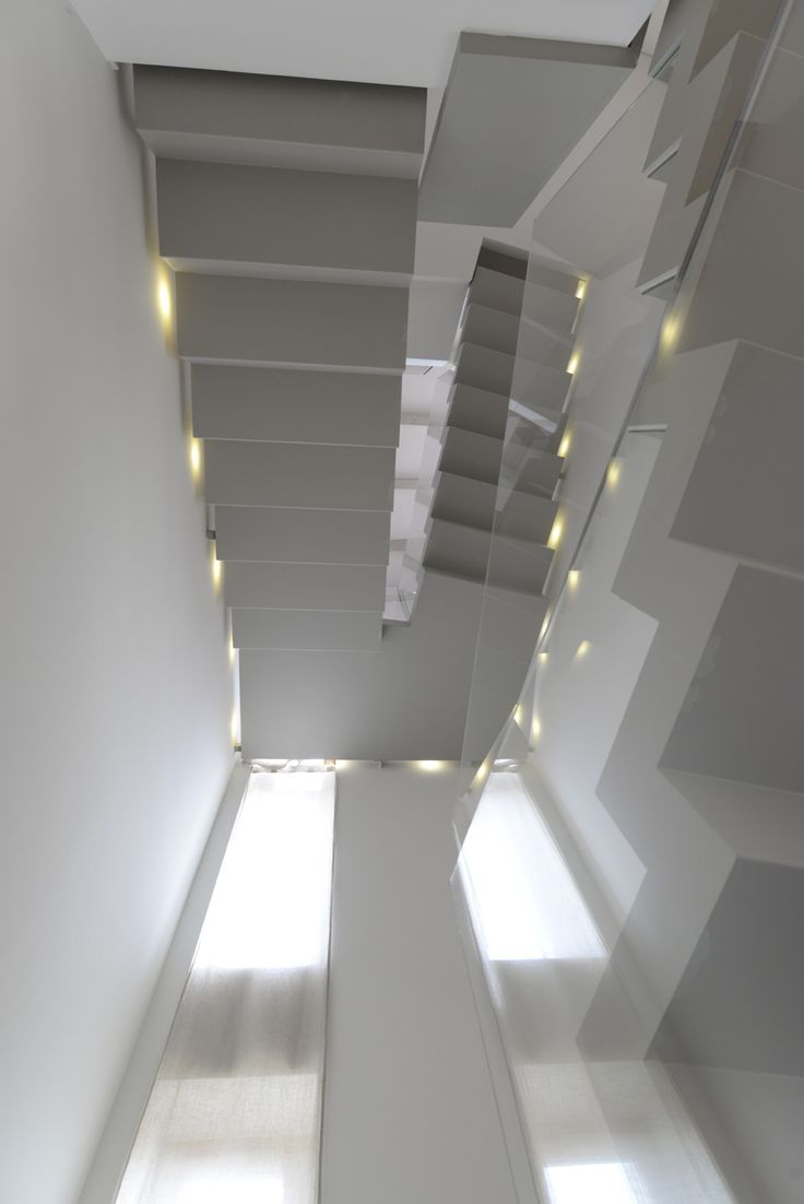 The structure consists of two soldered-iron staircases placed one upon the other that were varnished during the installation to make them look extremely clean. There are neither screws, nor clamps of any kind. Sheet steps are 3mm thick and are made with a soundproof material that was glued under the tread. #interbau #stairs #design #madeinItaly #foryourhome #architecture #art