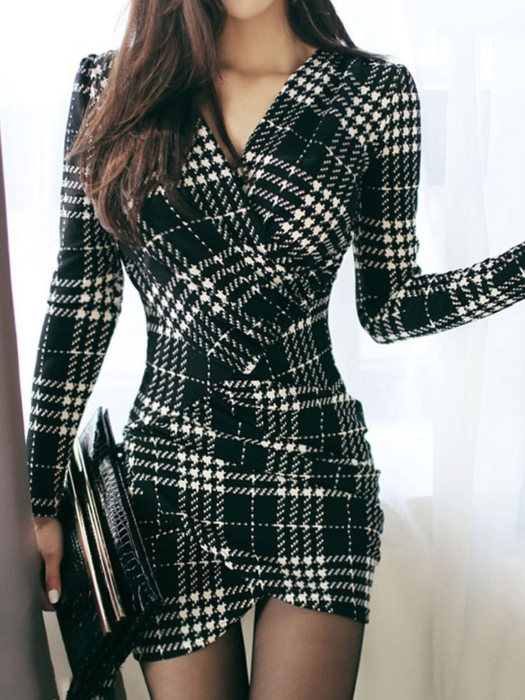 Buy Sexy V-Neck Plaid Mini Bodycon Dress online with cheap prices and discover fashion Bodycon Dresses at Fashionmia.com. #bodycondresslongsleeve
