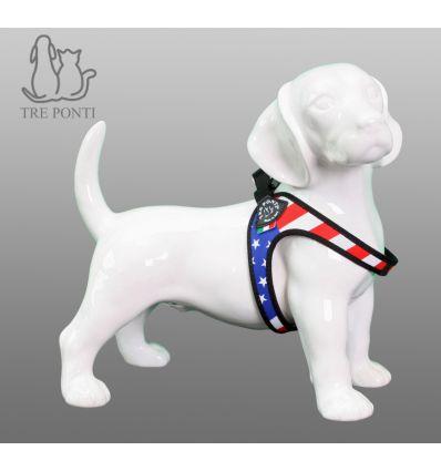 Tre Ponti Fibbia Fashion Hondentuig USA Patriota - Tre Ponti Fibbia hondentuigen zijn geschikt voor zeer kleine tot kleine honden. De Fibbia hondentuigen zijn ontwikkeld voor zeer kleine tot kleine hondenrassen. Deze hondvriendelijke tuigjes kantelen niet en geven nergens negatieve druk. De doordachte pasvorm zorgt voor een uitzonderlijk draagcomfort, waarin elke hond zich prettig zal voelen.
