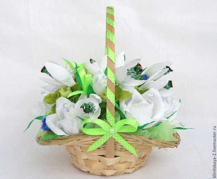 Купить Букет, корзина роз из конфет, подарок 8 Марта девушке, женщине. - сладкий подарок