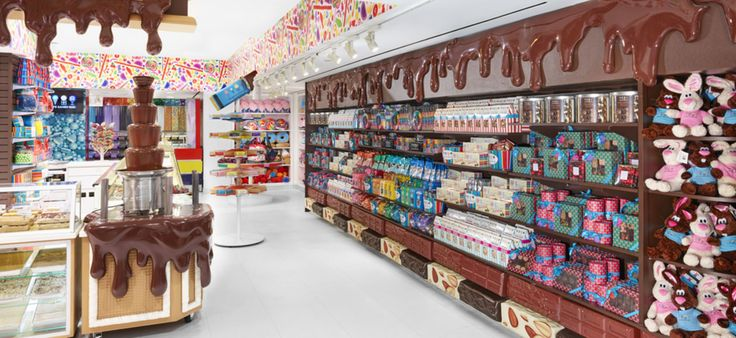 Dylan's Candy Bar, the boutique candy store founded in 2001 by Dylan Lauren—fashion designer Ralph Lauren's daughter—is known worldwide for being a fun, fashionable place to shop for sweets. New York City is home to three Dylan's Candy Bar locations, including its flags
