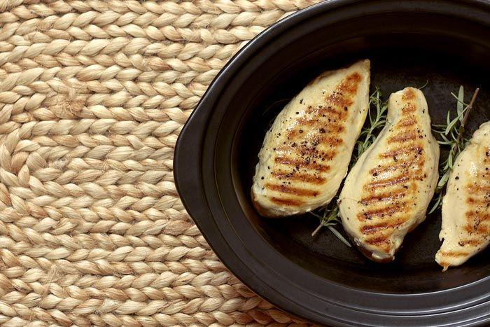 Pechugas de pollo rellenas de lacón. Receta para Crock Pot