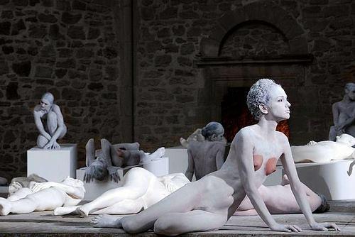 Vanessa Beecroft, 2011, Carrara