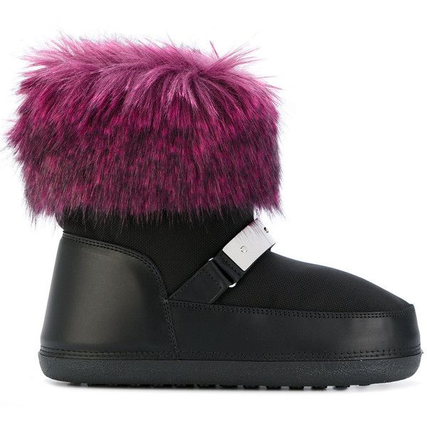 Giuseppe Zanotti Design Sestriere moon boots ($641) ❤ liked on Polyvore featuring shoes, boots, black, black slip on boots, slip-on shoes, black strappy boots, ski boots and black pull on boots